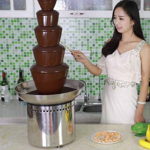 chocolate fountain dipping